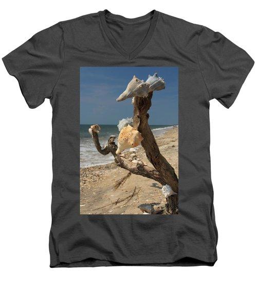 Shell Art Men's V-Neck T-Shirt