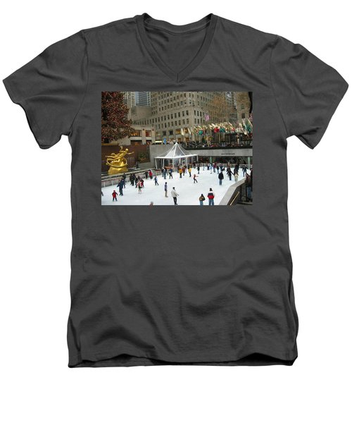Skating In Rockefeller Center Men's V-Neck T-Shirt