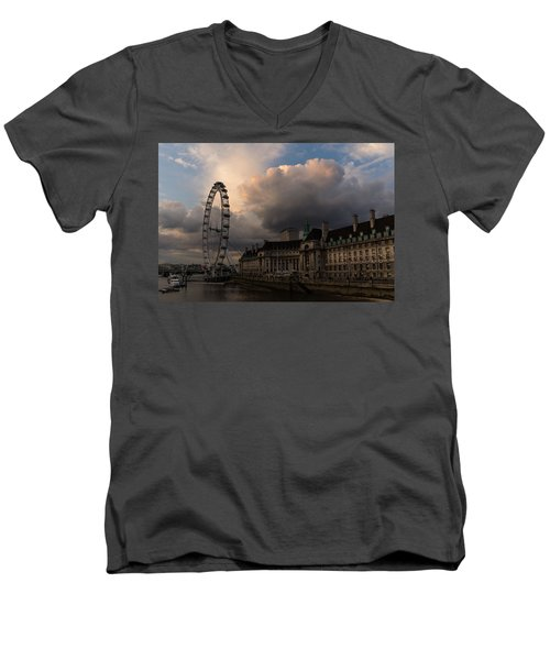 Sky Drama Around The London Eye Men's V-Neck T-Shirt