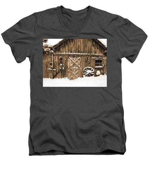 Snowy Old Barn Men's V-Neck T-Shirt