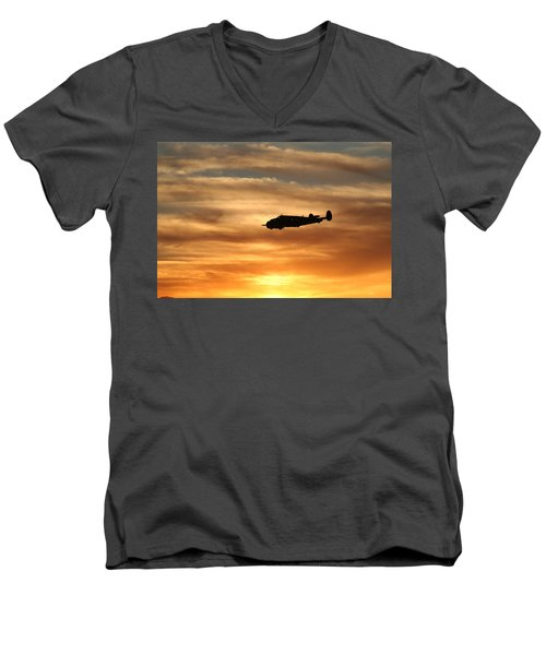 Men's V-Neck T-Shirt featuring the photograph Solo by David S Reynolds