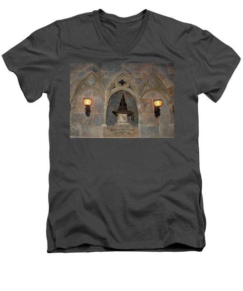 Sorted Men's V-Neck T-Shirt