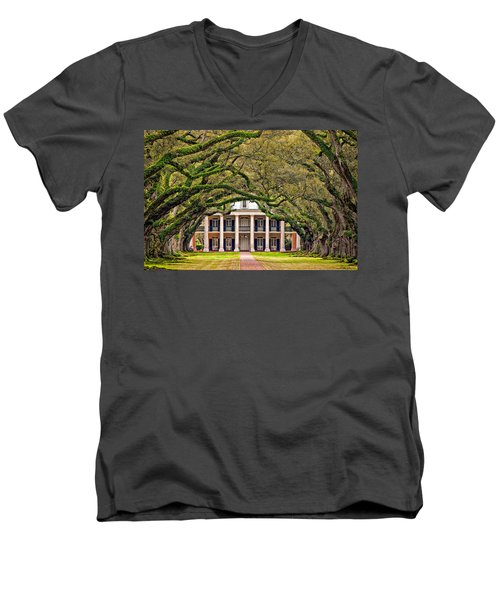 Southern Class Men's V-Neck T-Shirt
