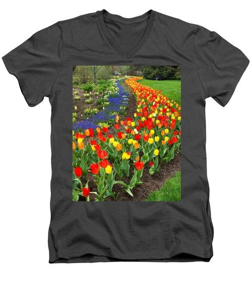 Spring Streaming By Men's V-Neck T-Shirt