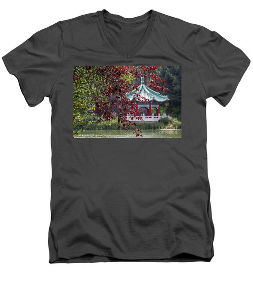Stow Lake Pavilion Men's V-Neck T-Shirt