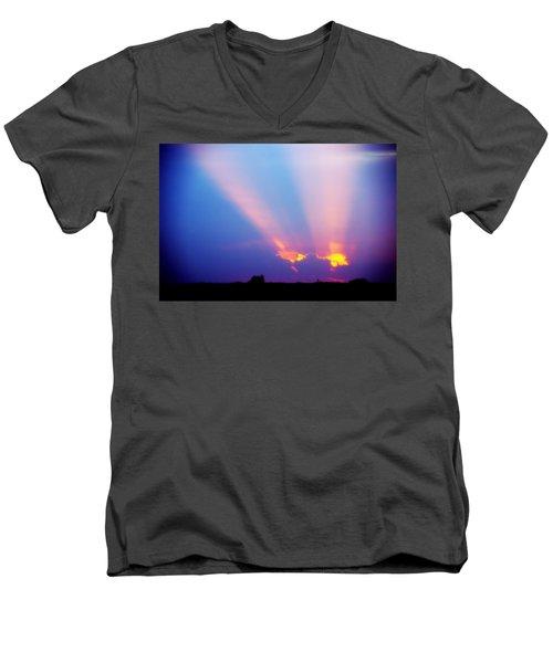Sun Rays At Sunset Men's V-Neck T-Shirt