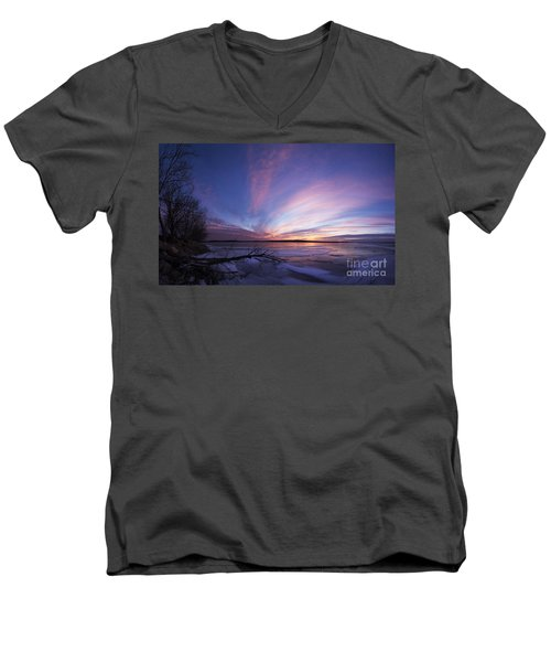Sunset At Lovewell Lake Kansas Men's V-Neck T-Shirt