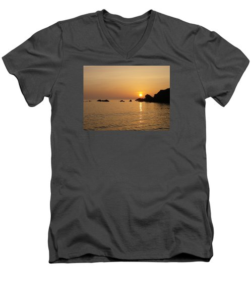 Sunset Crooklets Beach Bude Cornwall Men's V-Neck T-Shirt by Richard Brookes