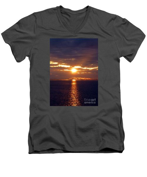 Sunset From Peace River Bridge Men's V-Neck T-Shirt