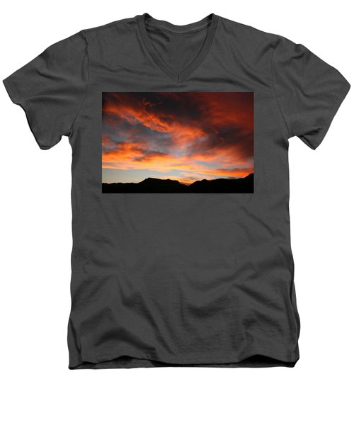 Sunset Over Estes Park Men's V-Neck T-Shirt