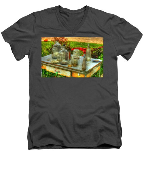 Table Collections Men's V-Neck T-Shirt
