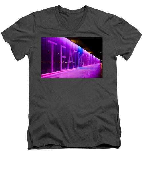 Teatro Fernan Gomez Men's V-Neck T-Shirt