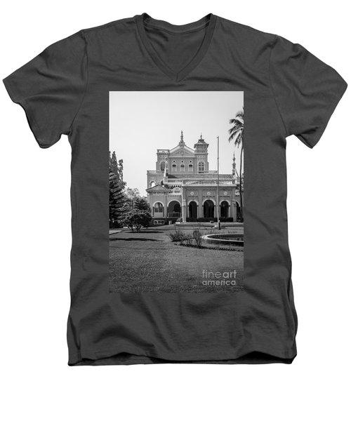 The Aga Khan Palace Men's V-Neck T-Shirt