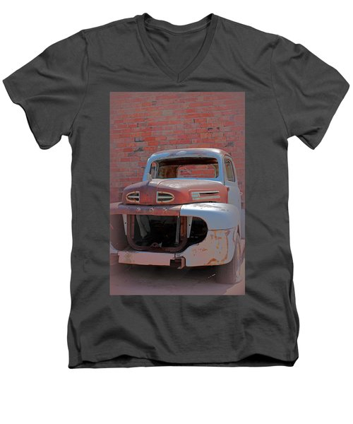 Men's V-Neck T-Shirt featuring the photograph The Pick Up by Lynn Sprowl