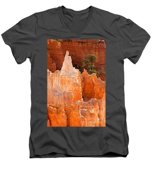 The Pope Sunrise Point Bryce Canyon National Park Men's V-Neck T-Shirt