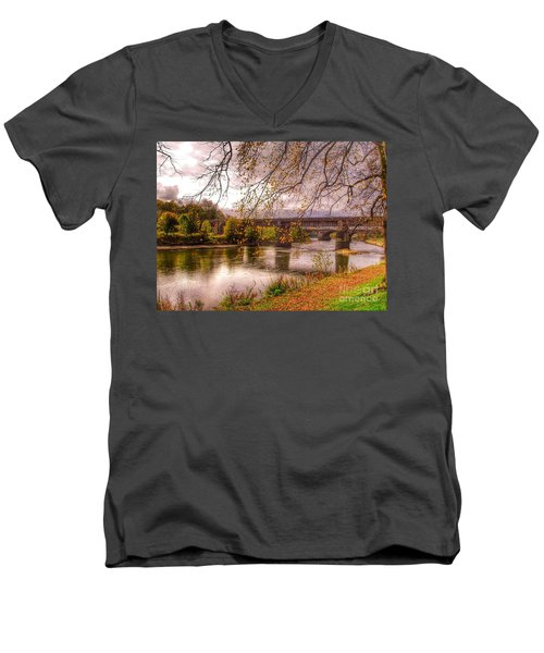 The Riverside At Avenham Park Men's V-Neck T-Shirt