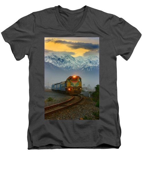 The Southerner Train New Zealand Men's V-Neck T-Shirt