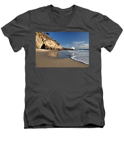 Thousand Steps Beach At Low Tide Men's V-Neck T-Shirt