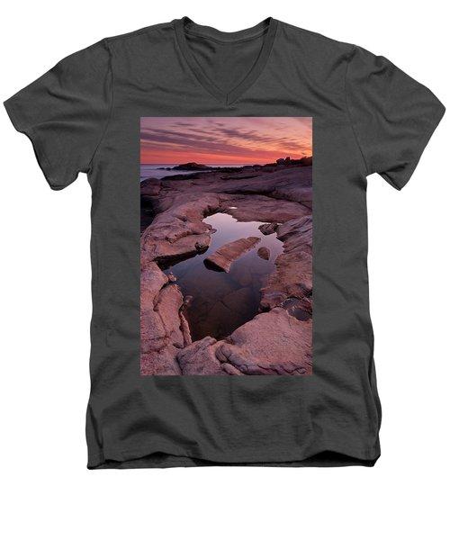 Tide Pool Geometry Men's V-Neck T-Shirt