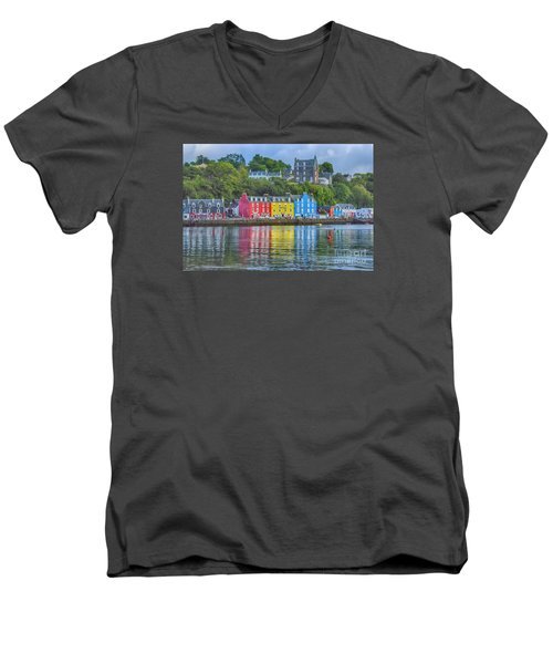 Tobermory Isle Of Mull Men's V-Neck T-Shirt
