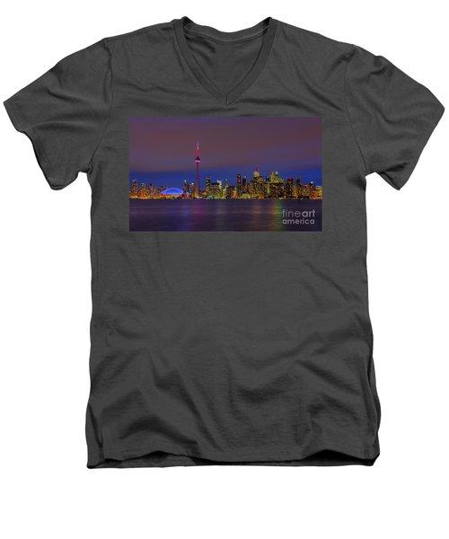 Toronto By Night... Men's V-Neck T-Shirt