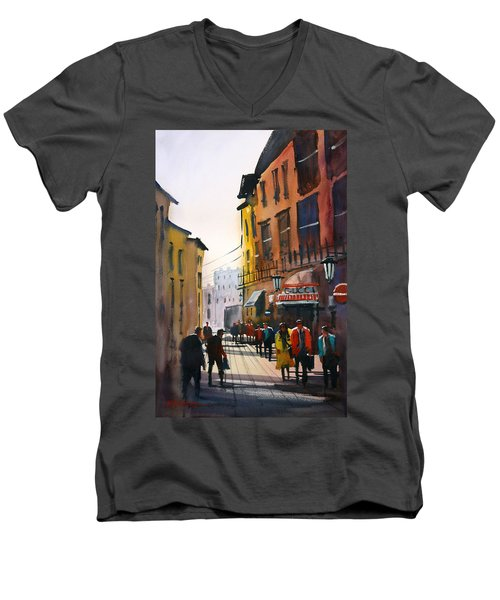 Tourists In Italy Men's V-Neck T-Shirt