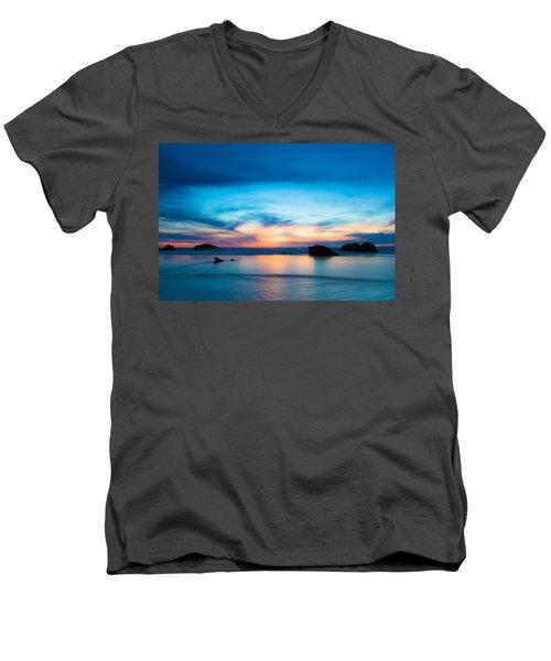 Traveling The Infinite Men's V-Neck T-Shirt