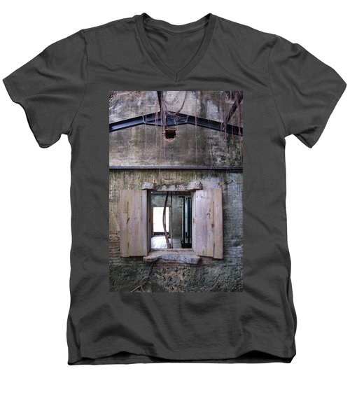 Tree House Men's V-Neck T-Shirt