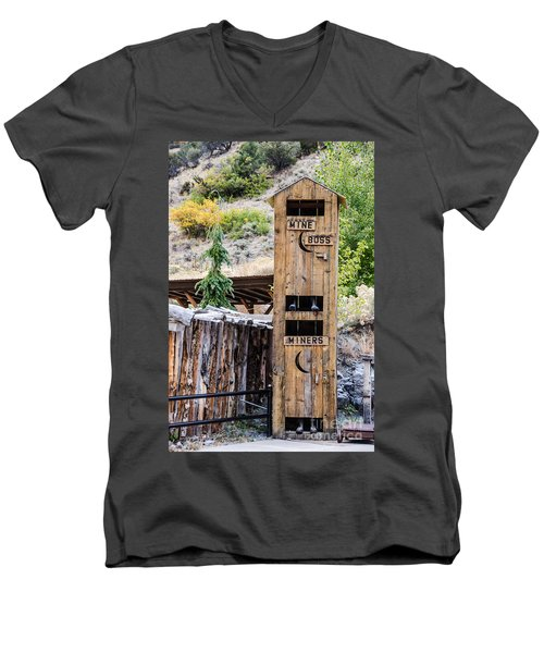 Two-story Outhouse Men's V-Neck T-Shirt