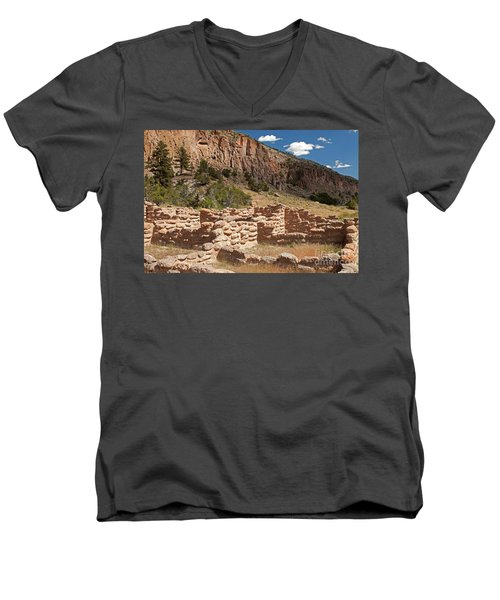 Tyuonyi Bandelier National Monument Men's V-Neck T-Shirt