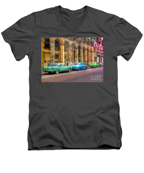 United Colors Of Coches Habaneros Men's V-Neck T-Shirt