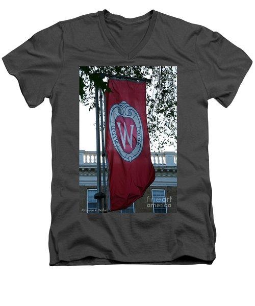 Uw Flag Men's V-Neck T-Shirt