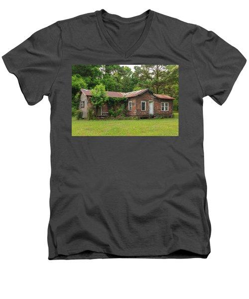 Vacant Rural Home Men's V-Neck T-Shirt