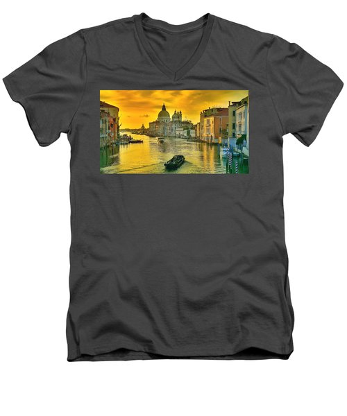 Golden Venice 3 Hdr - Italy Men's V-Neck T-Shirt