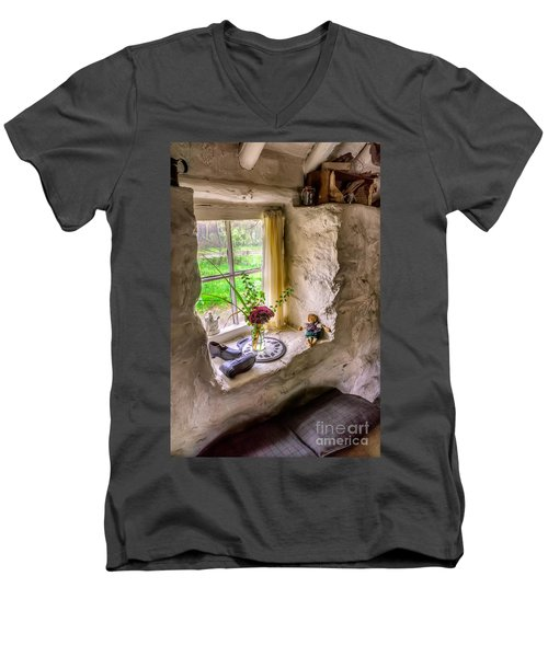 Victorian Window Men's V-Neck T-Shirt