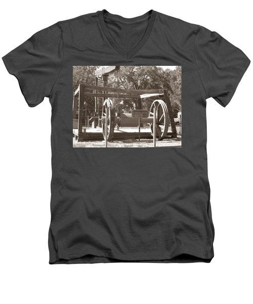 Men's V-Neck T-Shirt featuring the photograph Vintage Oil Rig Santa Rita No. 1 by Connie Fox