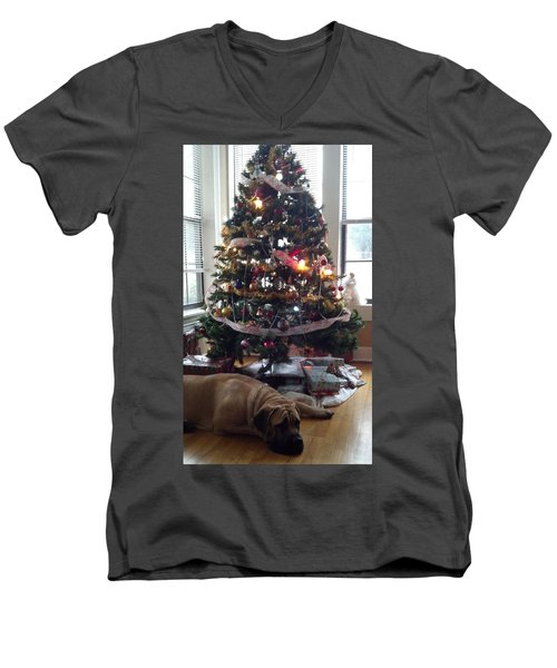 Waiting For Santa Men's V-Neck T-Shirt