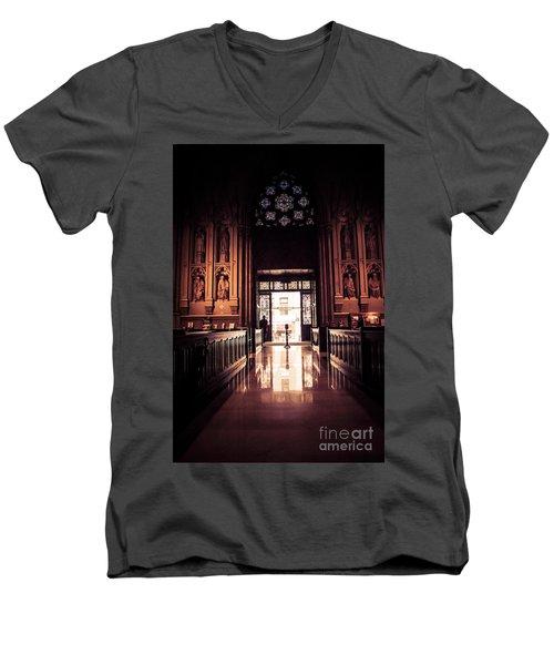 Waiting In Faith Men's V-Neck T-Shirt