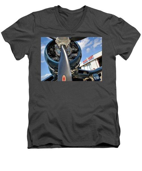 Warbird Museum Men's V-Neck T-Shirt