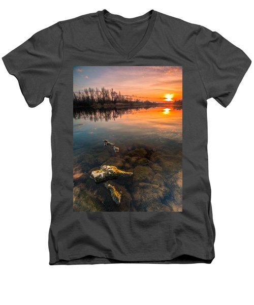 Watching Sunset Men's V-Neck T-Shirt