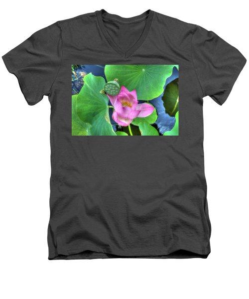 Water Flower Men's V-Neck T-Shirt