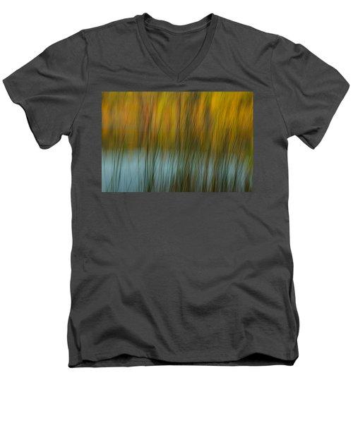Wavy Men's V-Neck T-Shirt