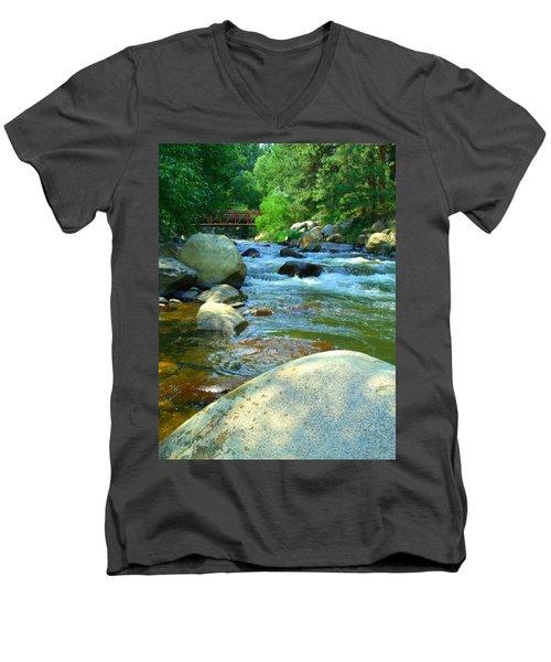 We Remember Men's V-Neck T-Shirt
