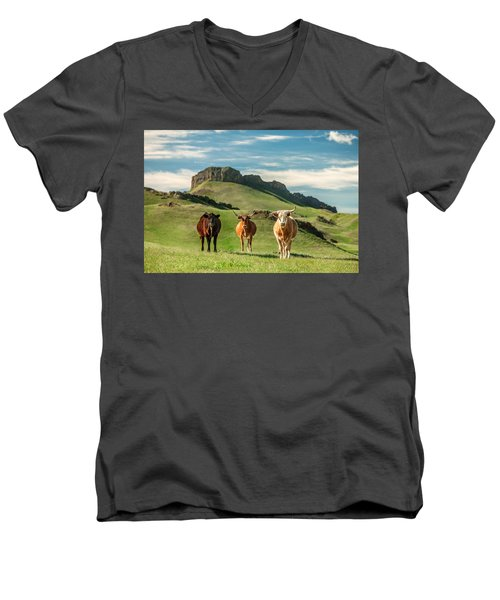 Western Longhorns Men's V-Neck T-Shirt