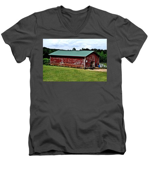 Westminster Stable Men's V-Neck T-Shirt by Tara Potts