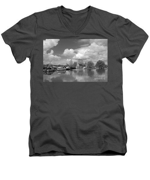 Wey Canal Ripley Surrey Men's V-Neck T-Shirt
