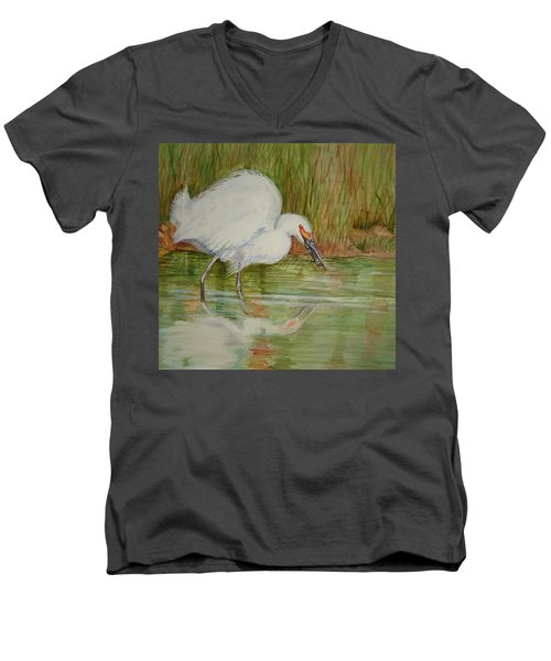 White Egret Wading  Men's V-Neck T-Shirt