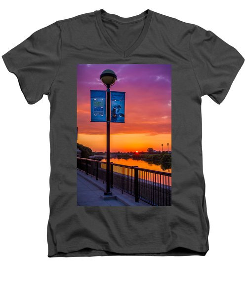 White River Sunset Men's V-Neck T-Shirt