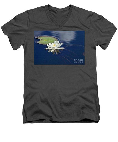 White Water Lily Men's V-Neck T-Shirt