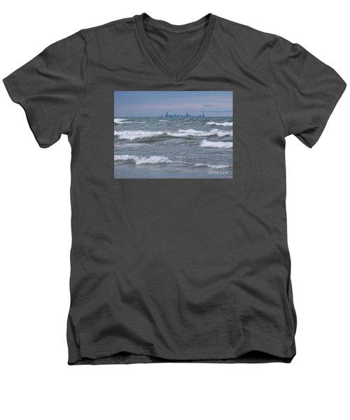 Windy City Skyline Men's V-Neck T-Shirt